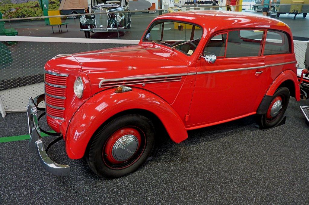 ВОмске на реализацию выставили раритетный Опель Kadett 1938г.в.
