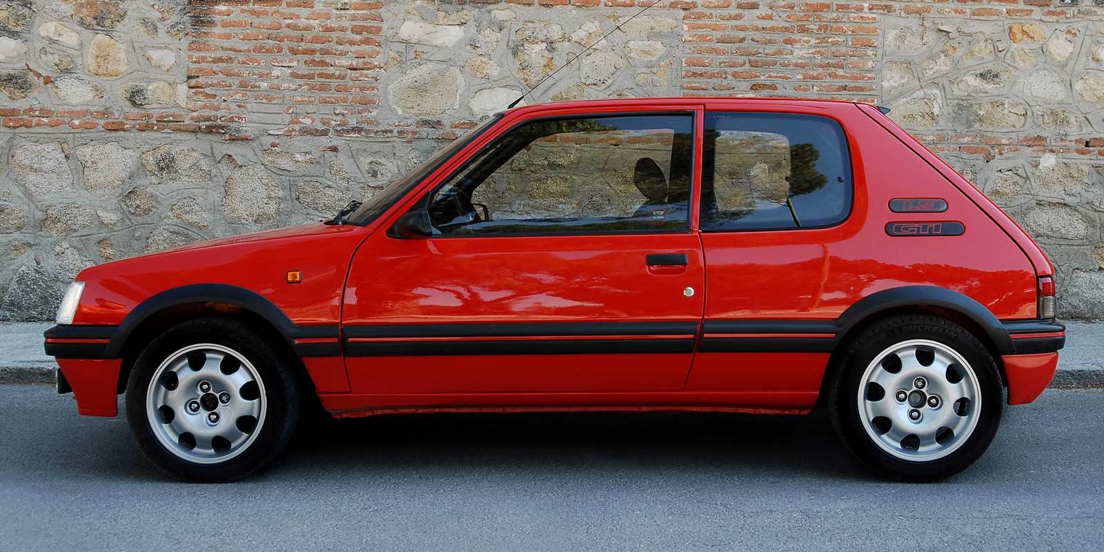 Peugeot (Пежо) попросили возродить легендарную модель