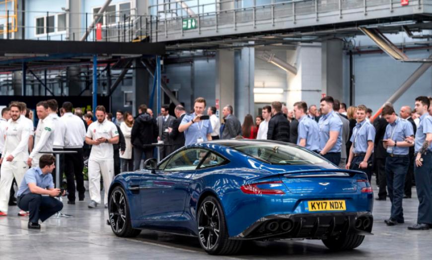 Aston Martin представил в Гудвуде уникальный 430-сильный хэтчбек V8 Cygnet