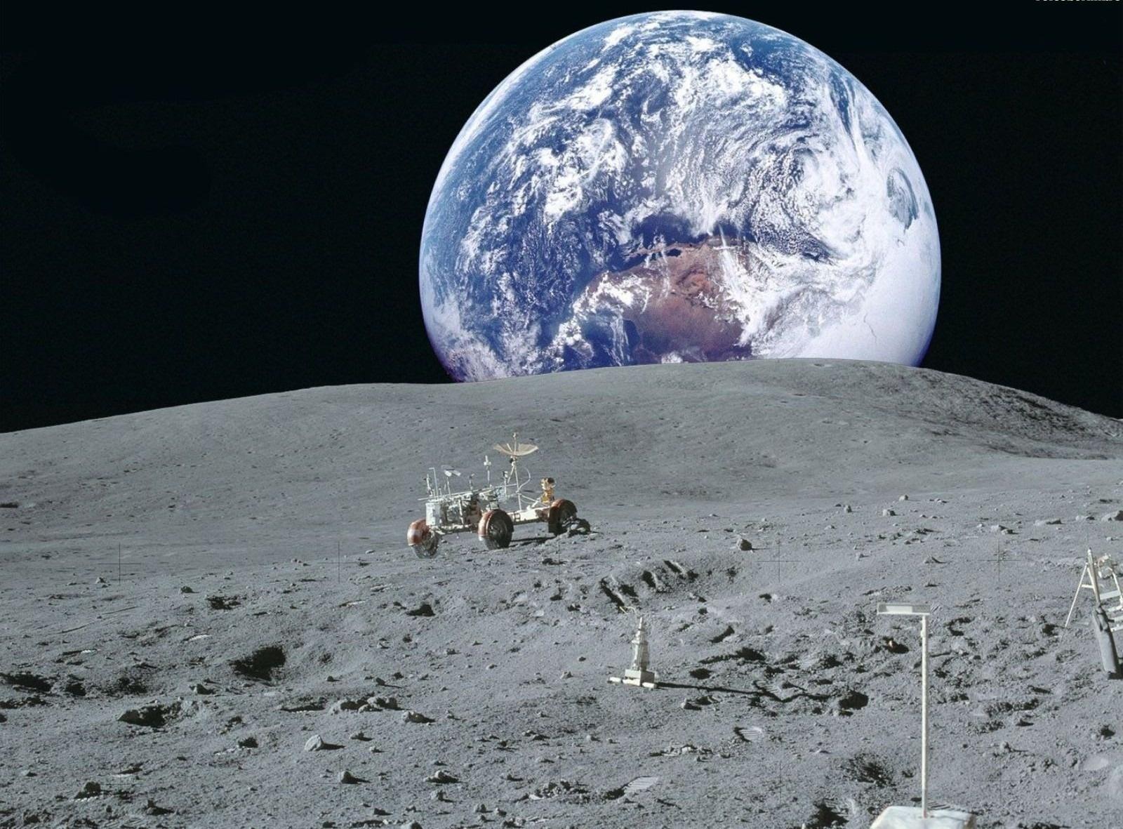 Российский корабль с туристами на борту отправится к Луне