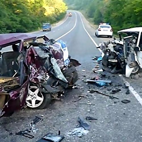 Вночной трагедии под Кыштымом оба водителя погибли, пассажир вреанимации