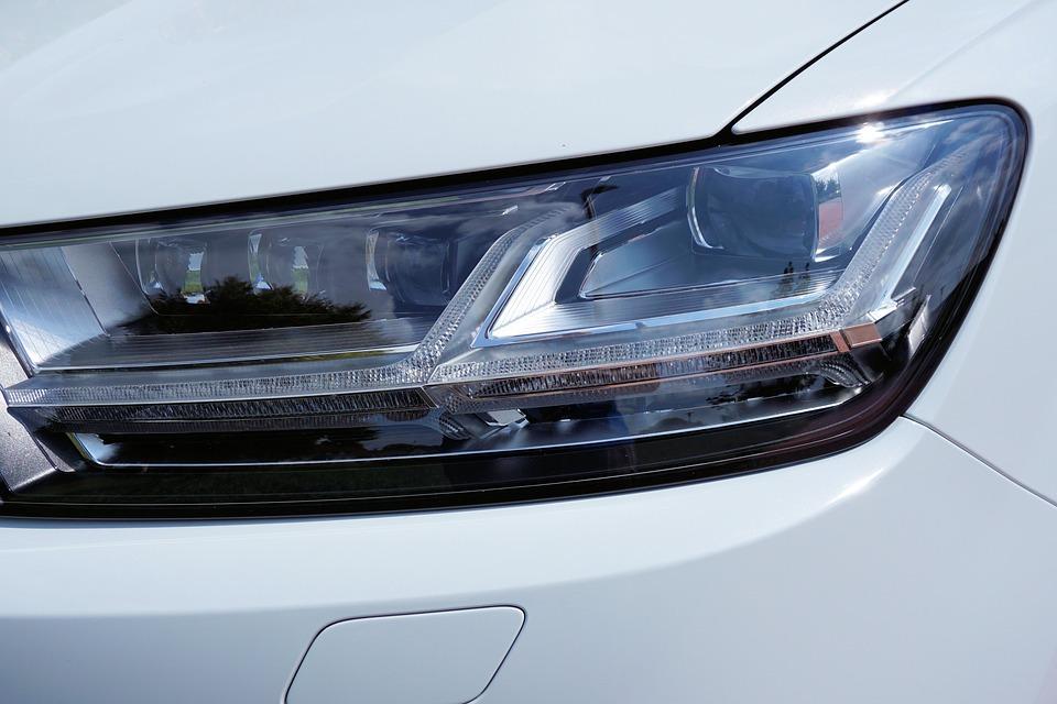 Обновленный кроссовер Audi Q7 появится в России только с дизелем