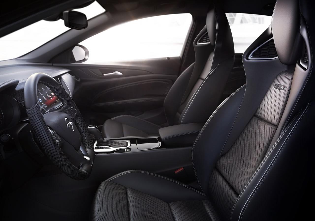 Рассекречен универсал Opel Insignia GSi новой генерации