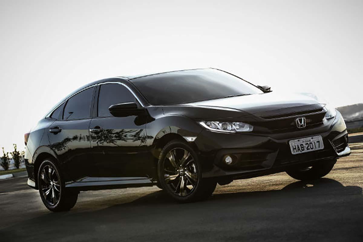 ВЯпонии стартовали продажи новых версий Хонда Civic