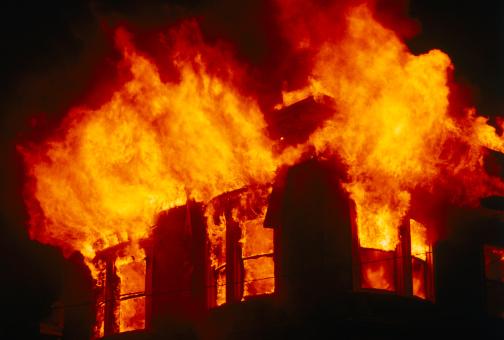 Престарелая женщина погибла напожаре вКалининском районе