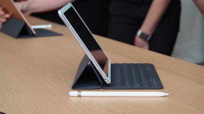 «Яблочная» компания окончательно разбила потенциал смарт-коннектора в новоиспеченных iPad Pro
