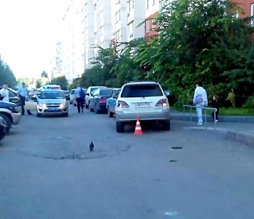 ВНовосибирске шофёр «Тойоты» сбил коляску с сыном