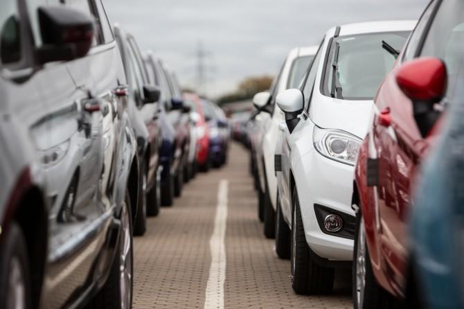 Всередине лета продажи авто уменьшились на16,6% — Падение продолжается