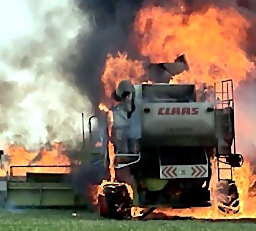ВБрединском районе сгорели 4 комбайна