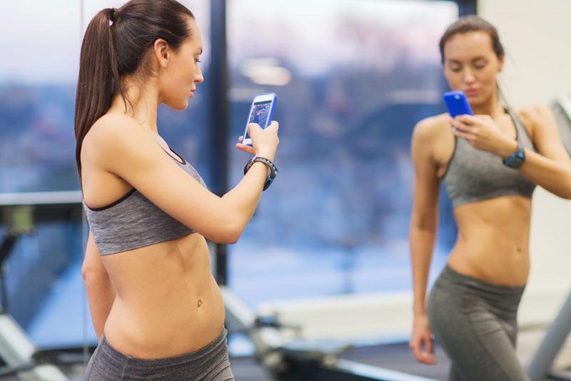 Молодёжь занимается спортом, чтобы показать в социальных сетях своё тело