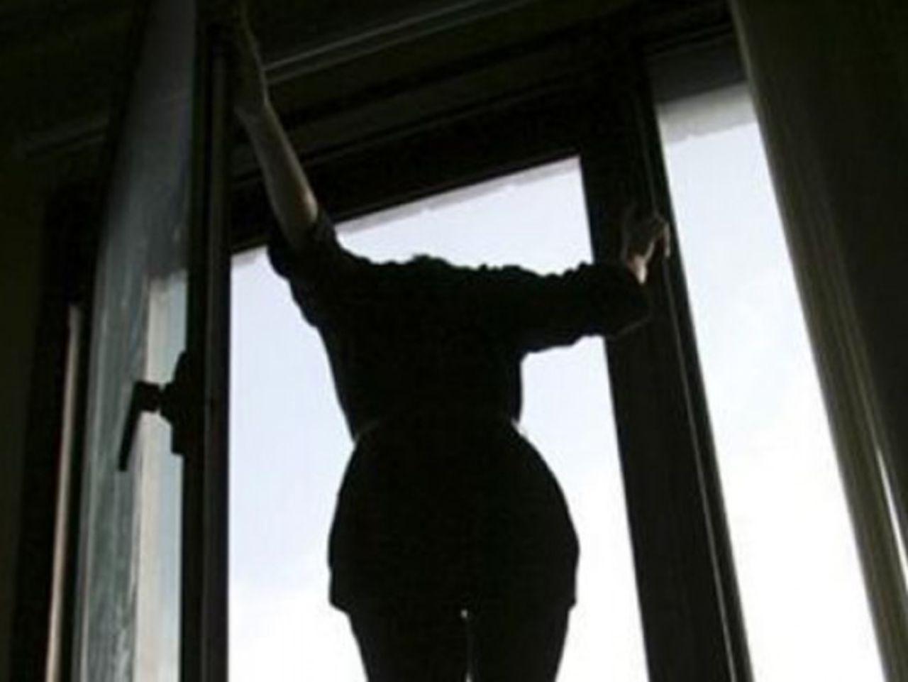 Самоубитца на улице 14 фотография