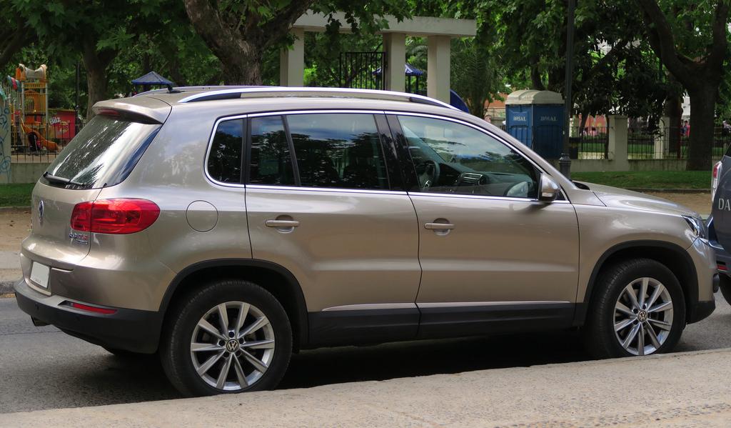VW отзывает 700 тыс. авто из-за дефектов освещения