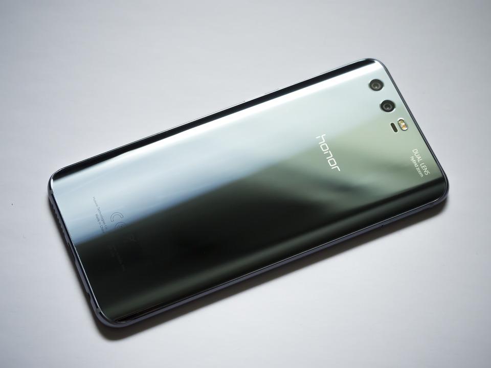 Honor выпустит смартфон с7-дюймовым экраном иискусственным интеллектом