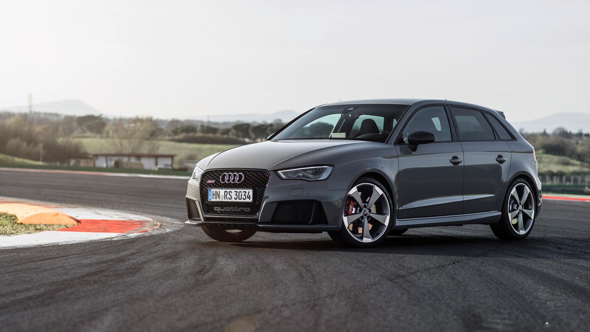 Audi готовится к премьере нового седана RS3
