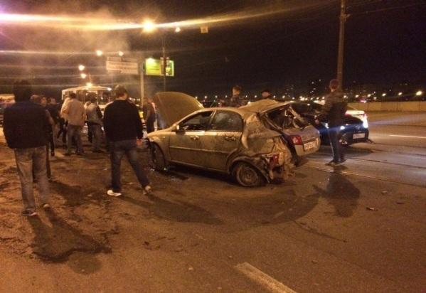 Нетрезвый шофёр врезался встолб, пытаясь исчезнуть сместа ДТП