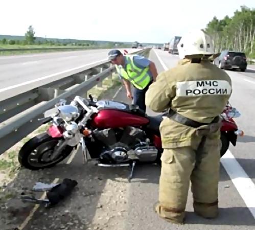 ВРостовской области вДТП натрассе умер мотоциклист