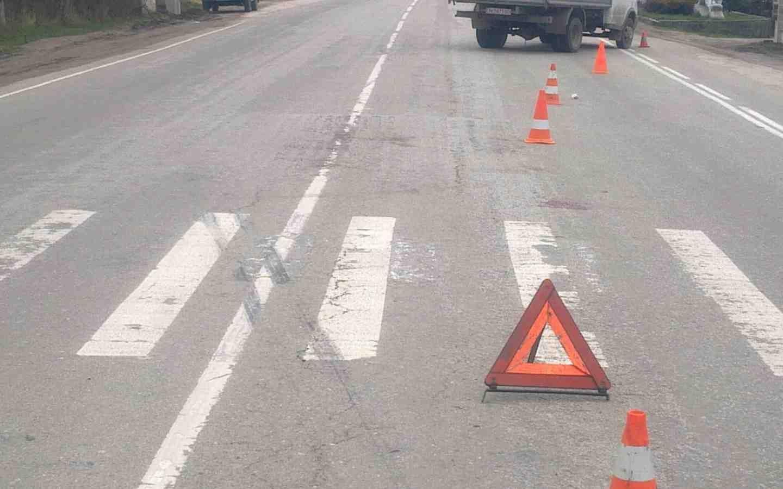 ВТверской области автомобиль сбил насмерть пешехода— шофёр исчез сместа происшествия