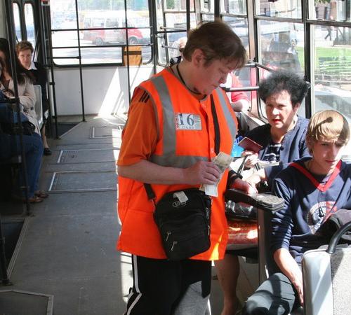 Вцентре Екатеринбурга двое пассажиров избили женщину-кондуктора