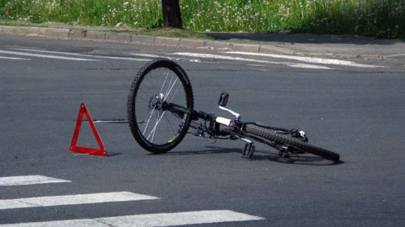 Под Орлом шофёр сбил велосипедистку и исчез