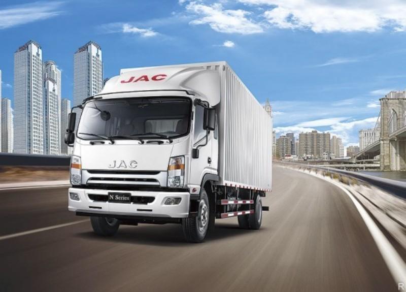 В РФ стартовали продажи китайских фургонов JAC N120