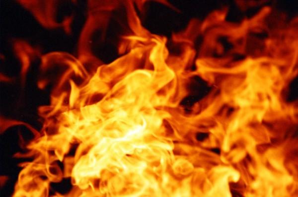 ВПетербурге наулице Оптиков тушили пожар вирландском пабе