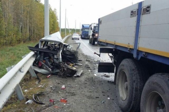 ВЮгре легковушка врезалась вМАН. шофёр Лады умер
