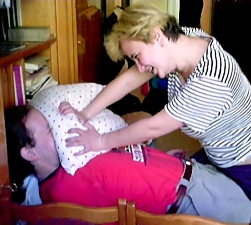 ВЭнгельсе женщина задушила сожителя подушкой