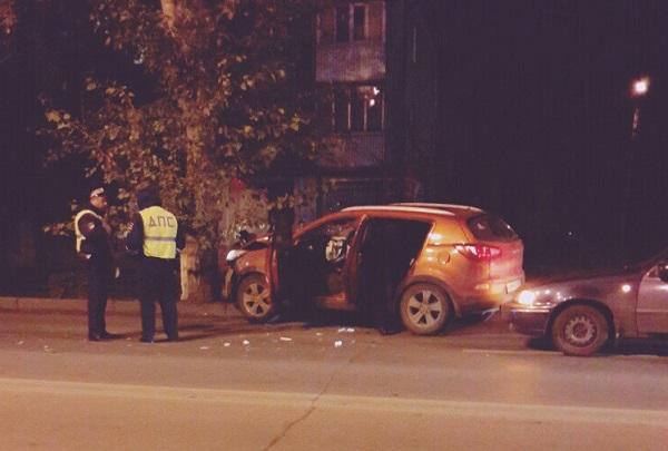ВУфе автомобиль сбил пешехода иврезался вдерево