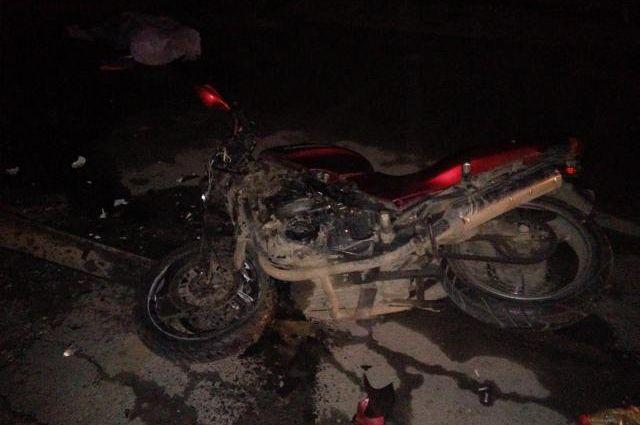 ВПерми 34-летний мотоциклист умер, врезавшись вприпаркованную иномарку