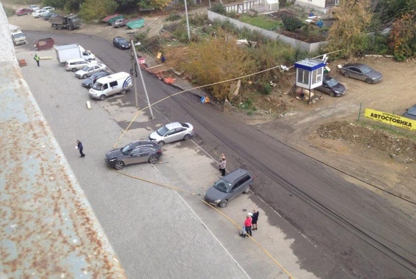 ВЕкатеринбурге автомобилистка на«Infiniti» протаранила газовую трубу