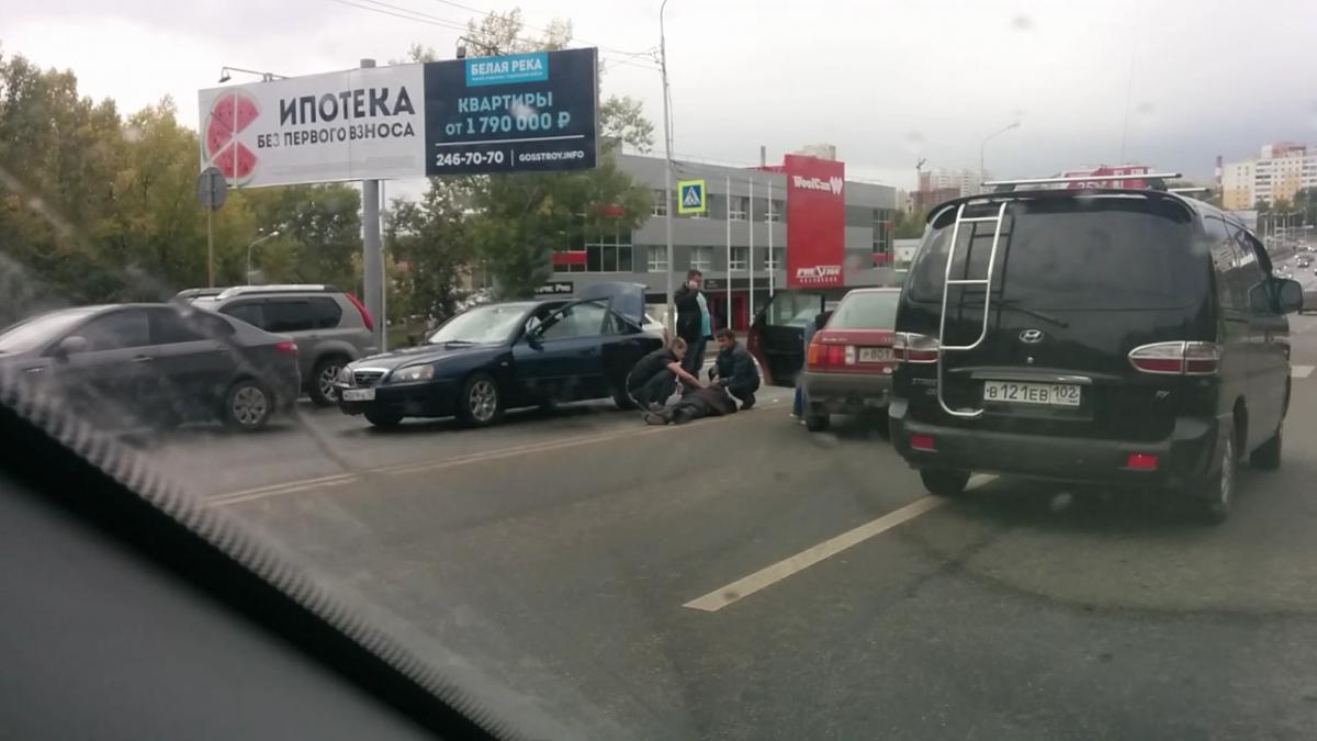 ВУфе шофёр «четырнадцатой» сбил подростка напешеходном переходе