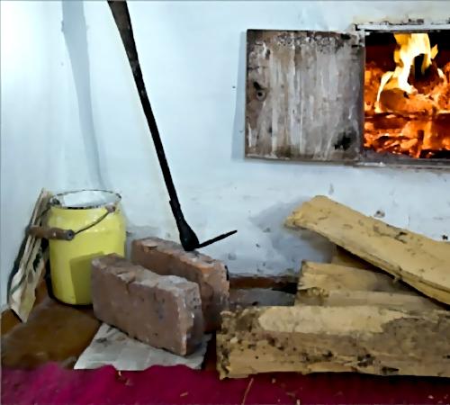 ВОмской области селянин досмерти избил мать кочергой