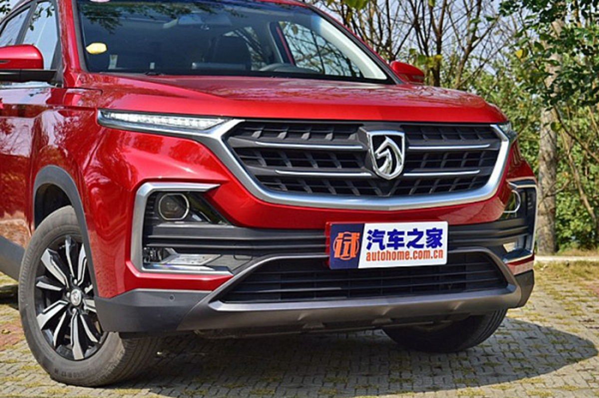 Кроссовер Baojun 530 бьет рекорды продаж