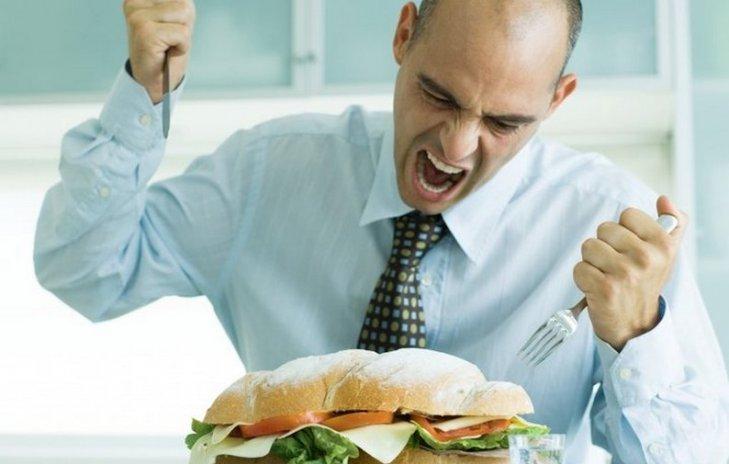 Ученые поведали, чем рискован короткий обеденный перерыв