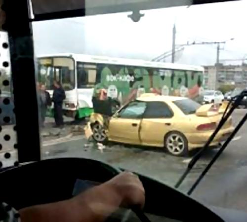 ДТП напутепроводе: пострадали 8 человек