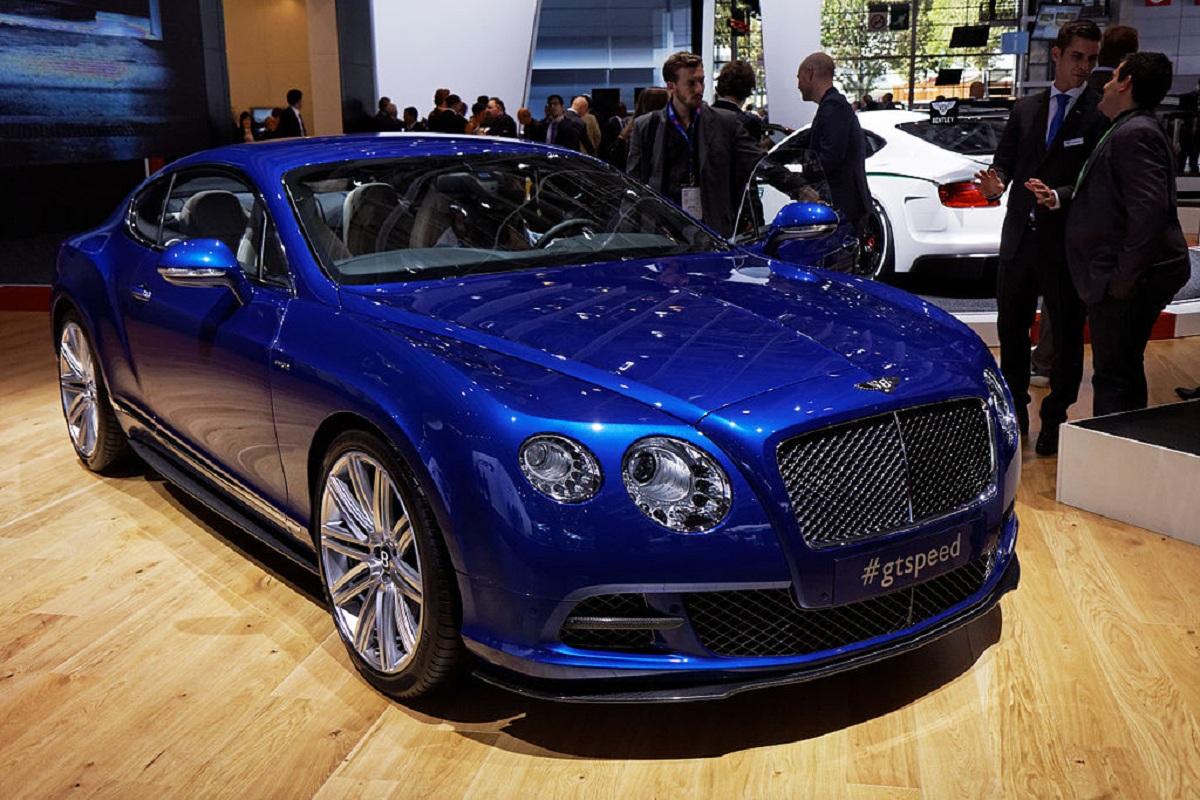 В РФ начались продажи премиального Бентли континенталь GT