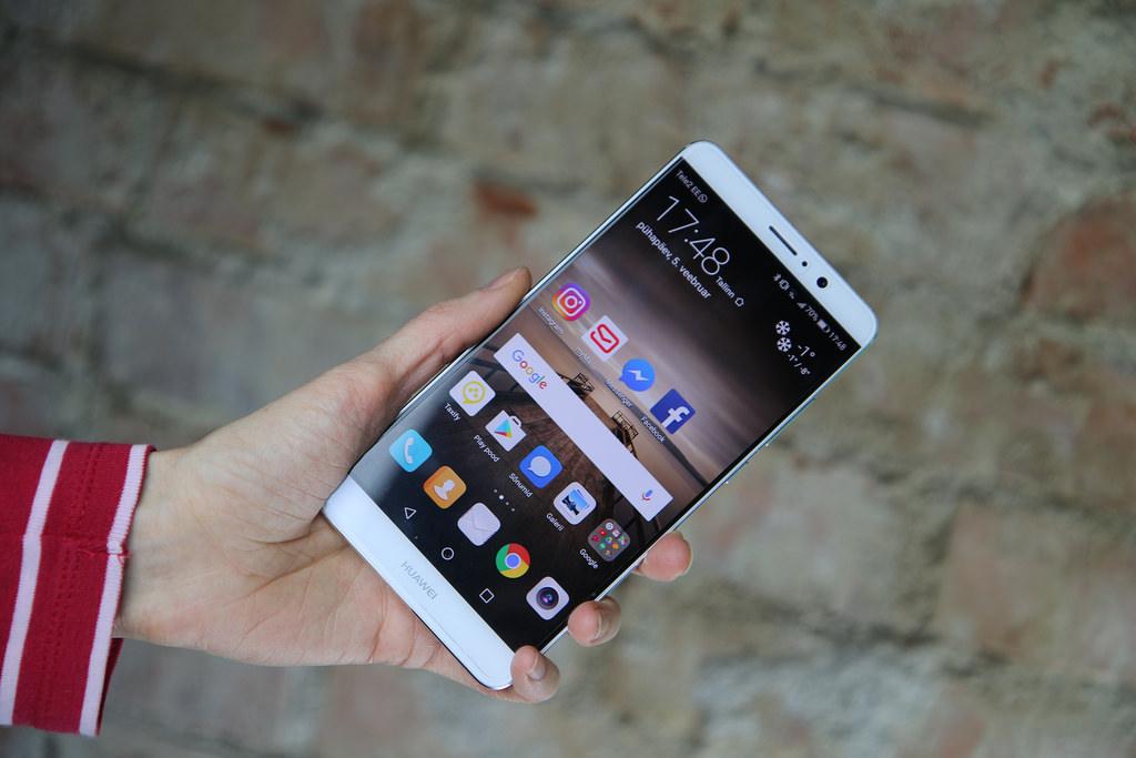 Объявлена русская  цена Huawei Mate 20 Lite