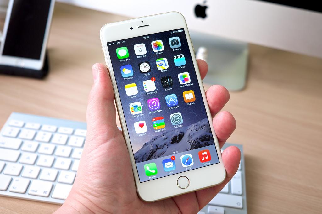 Вотдельных iPhoneXS замечена проблема сOLED-дисплеем наминимальной яркости