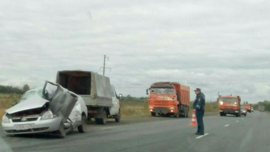 ВВоронежской области вДТП стремя машинами пострадали 7 человек