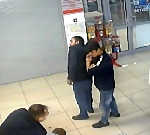 Грузчика магазина вПодмосковье подозревали внанесении смертельных травм покупателю
