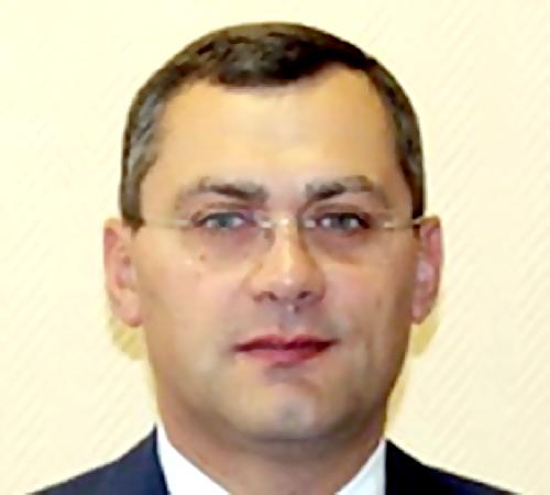 Руководителя петербургского Колпино задержали заразбойное нападение вподъезде