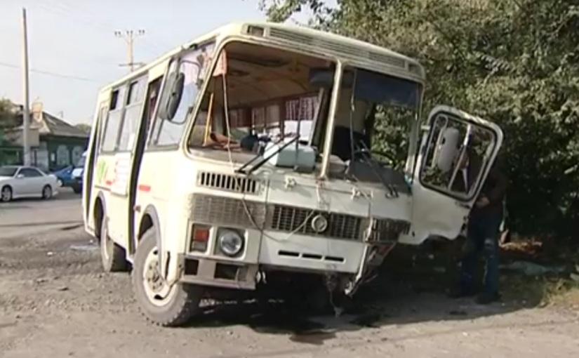 ВХакасии столкнулись рейсовый автобус имикроавтобус, пострадали семь человек
