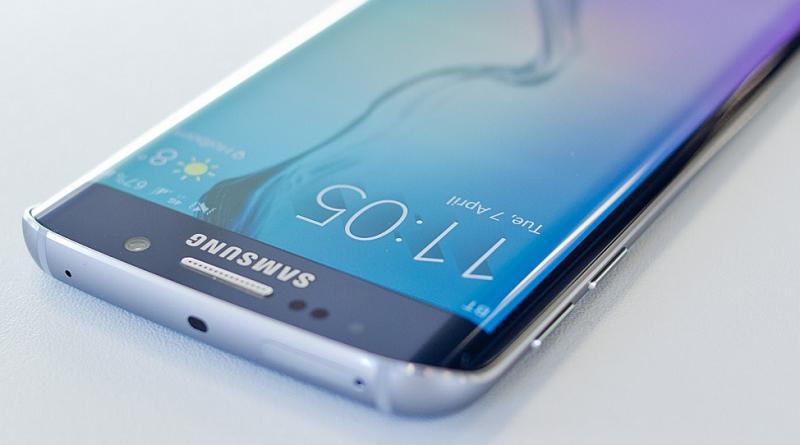 Самсунг официально представила Galaxy A8
