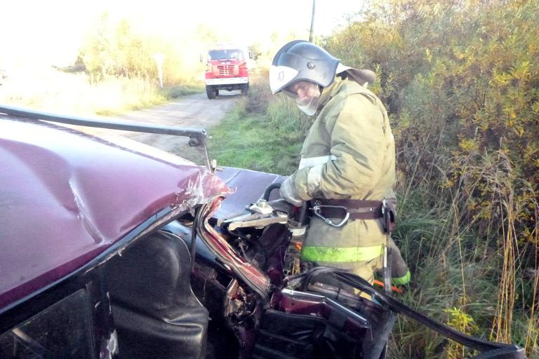 ВТверской области случилось столкновение автомобиля сгрузовым поездом