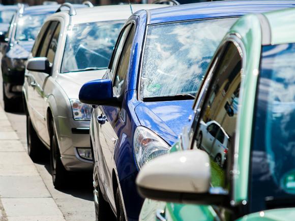 Украинцы стали покупать больше легковых машин