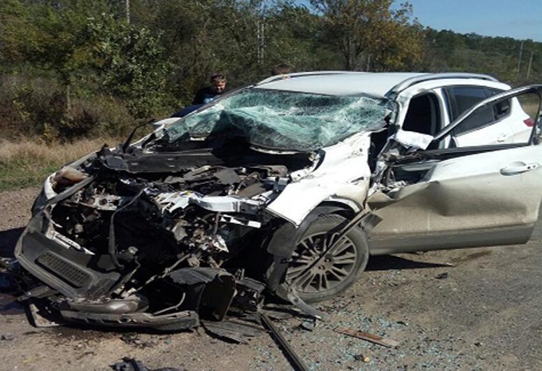НаКубани вДТП иномарки Форд Kuga иКамАЗа пострадали три человека