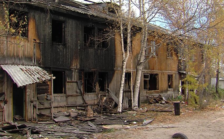 ВСургуте напожаре взаброшенном доме отыскали тела 2-х погибших людей