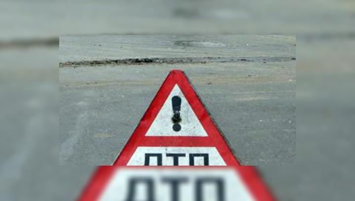 ВПодмосковье наНоворижском шоссе перевернулся молоковоз
