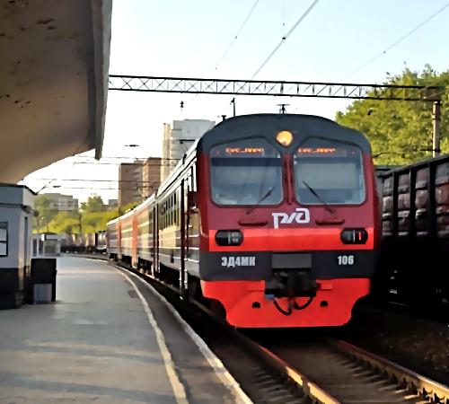 Настанции Екатеринбург-Сортировочный старый мужчина умер под колесами электрички