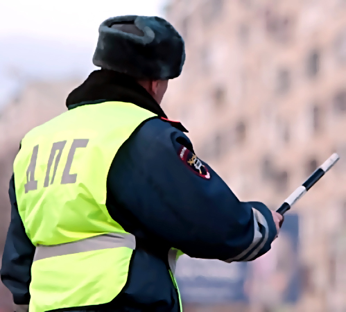 Петербург: экс-инспектору ГИБДД угрожает до15 лет заизбиение нарушителя
